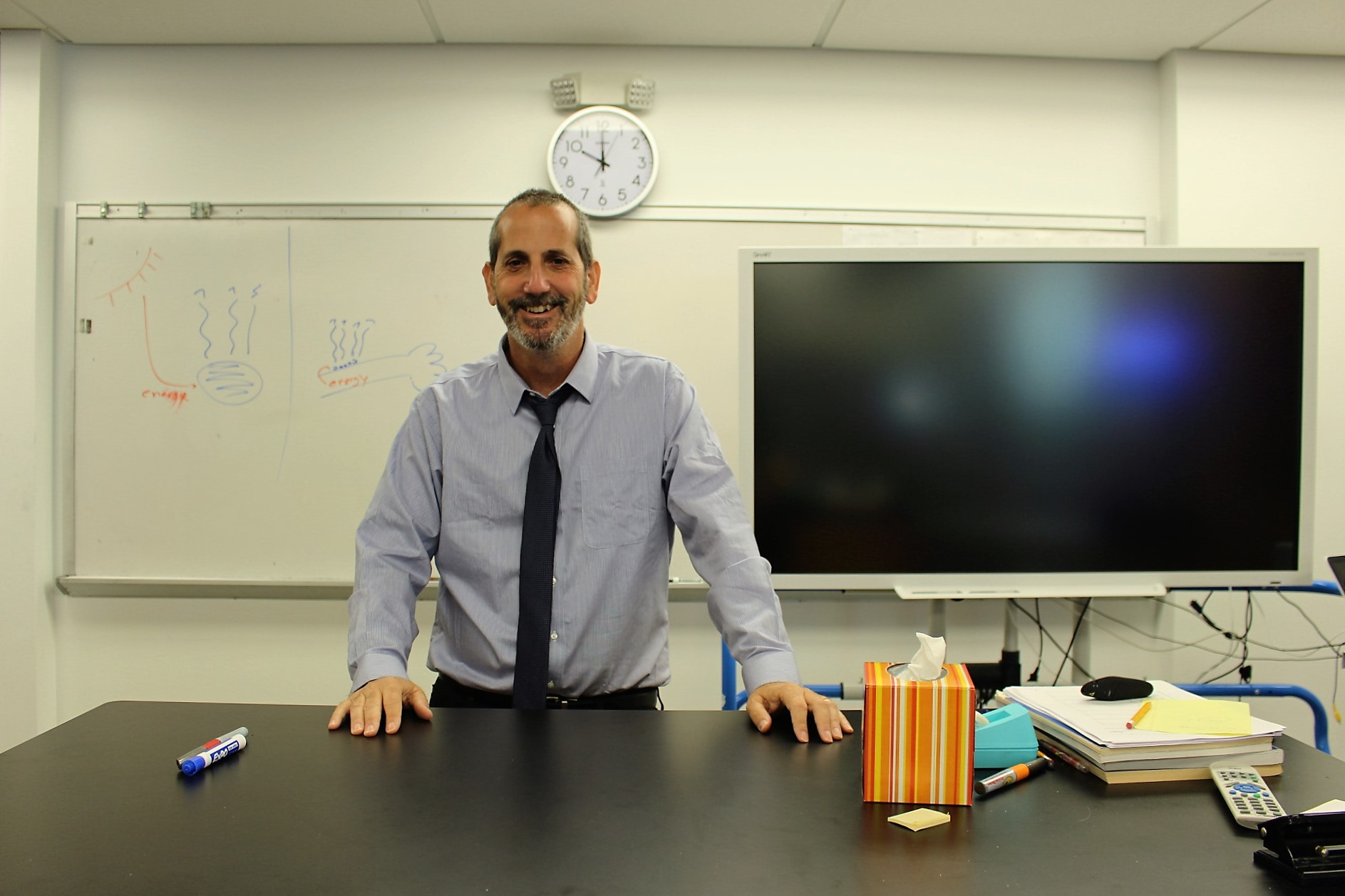 Israeli Science Teacher Dr. Eran Reem joins HBHA